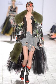 See all the Collection photos from Central Saint Martins Ba Autumn/Winter 2015 Ready-To-Wear now on British Vogue Anti Fashion, Weird Fashion, Fashion Show, Green Fur Coat, Military Style Coats, British, Vogue, Central Saint Martins, Models