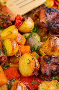 Slimming Slimming Eats Chicken, Potato, Vegetable Tray Bake - gluten free, dairy free, Slimming World and Weight Watchers friendly - Slimming World Dinners, Slimming World Recipes Syn Free, Slimming Eats, Slimming Word, Diet Recipes, Cooking Recipes, Healthy Recipes, Recipies, Savoury Recipes