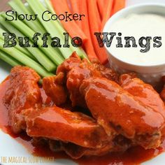 I decided to try Slow Cooker Buffalo Wings, because I hate deep-frying food, it's so messy, and it usually doesn't turn out as well as planned