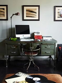 Interior Design - Industrial / Home office Industrial Office Design, Industrial Desk, Industrial Interiors, Home Office Design, Industrial Style, House Design, Vintage Industrial, Industrial Lighting, Industrial Windows