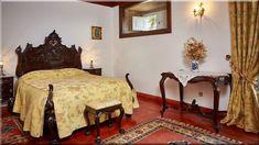 antik hálószobabútorok - Szép házak, luxuslakások 8 Furniture Design, Loft Furniture, Walnut Furniture, Rustic Bedroom, Large Furniture, Furniture, Oak Garden Furniture, Home Decor, Bedroom Furniture