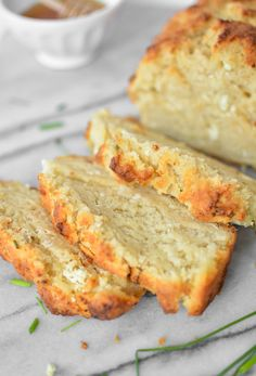 Goat Cheese and Chive Beer Bread | www.cookingandbeer.com | @jalanesulia