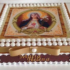 Acertando no presente ❤️❤️❤️ caixa personalizada decorada com tecido Sagrado Coração de Maria  #pessoasespeciais #lembreidevoce #atendendoapedidos