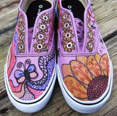 DIY FreeStyle Art For Shoes - Zentangles - Lots of pics. You will love making these!