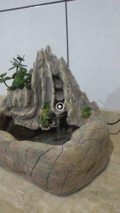 Fátima Bittencourt - Google+ Indoor Tabletop Water Fountain, Indoor Water Fountains, Small Fountains, Balcony Garden, Garden Beds, Garden Art, Indoor Waterfall, Waterfall Fountain, 3d Signage