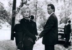 Dolly Parton as Truvy Jones and Sam Shepard as Spud Jones in Steel Magnolia directed by Herbert Ross, 1989