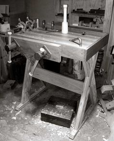 Woodworking Jigs The Joinery Bench. Great design for my small shop. - If I'd lived in the the early century, odds are I'd be rotting by now. Life expectancy in England in 1700 was about according to the National Bureau of Economic Research. By 1820 it was Woodworking Jigsaw, Woodworking Hand Tools, Woodworking Magazine, Wood Tools, Popular Woodworking, Woodworking Projects, Woodworking Techniques, Woodworking Furniture, Small Workbench