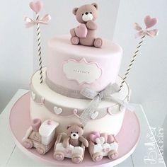 Happy birthday Beatrice! Cake by Bella's Bakery - Monza #bellasbakery #monza #cakedesign #cakedesignmonza #cakedesignmilano #cakedecorating #sugarart #isabellavergani #sugarartist #tortedecorate #kidsparty #partyideas #partydesign #partyplanner #partyplanning #partyplannermilano #instamamme #instacake #instacool #instafood