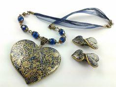 """Collier et Clips d'oreille """"Coeur bleu """" Impression or, modelées en porcelaine froide : Collier par artmor-bijoux"""