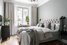 13 Cool Gray Bedroom Ideas to Your Bedroom - Bedroom Design Gray Bedroom, Home Decor Bedroom, Bedroom Furniture, Bedroom Curtains, Bedroom Ideas, Long Curtains, Master Bedroom, Asian Furniture, Bedroom Rustic