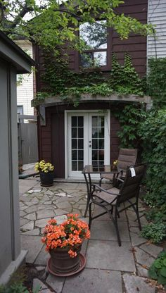 Outstanding town house in heart of Downtown! in Toronto