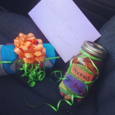 DIY gift for the boyfriend   T-shirt ✔ Candy✔ Card✔  #DIY #gift #masonjar #justbecause