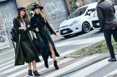 Tommy Ton Shoots the Best Street Style at the Fall Shows Cool Street Fashion, Street Chic, Street Style Women, Street Snap, Fashion Images, All Fashion, Milan Fashion, Mode City, Tommy Ton