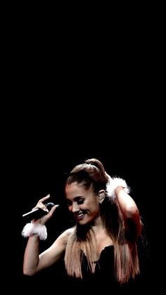 Imagen de wallpaper and ariana grande