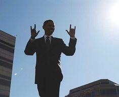 Obama Illuminati puppet!!!! Wake up Amerika!