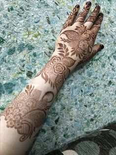 Floral Henna Designs, Mehndi Designs Feet, Back Hand Mehndi Designs, Latest Bridal Mehndi Designs, Mehndi Designs Book, Mehndi Design Pictures, Modern Mehndi Designs, Mehndi Designs For Girls, Wedding Mehndi Designs