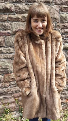 1960s FAUX FUR CREAMY BROWN COAT (L-XL)