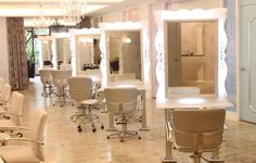 Modern Hair Salon Decorating Ideas