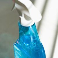 If you need to buy a cleaning product, have your sights set on OxiClean but find yourself balking at the price, you may wish to get creative and make your own. Perhaps this has not entered your mind but making your own is easily doable and cheap. It is simply a matter of buying a few ingredients and mixing.