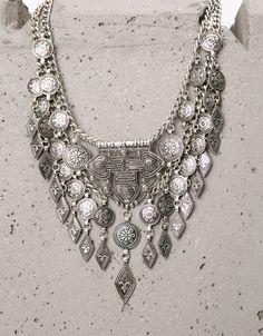 Collar boho metálicos - Bisutería - Bershka España                              …