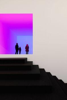 simone bossi goes inside irwin + turrell exhibit at villa panza simone bossi robert irwin james turrell aisthesis villa panza James Turrell, Modern Art, Contemporary Art, Light Art Installation, Art Installations, Instalation Art, Graphisches Design, Light And Space, Exhibition Space