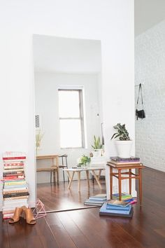 Room Transformers: A Dozen Perfectly-Placed Mirrors | Apartment Therapy
