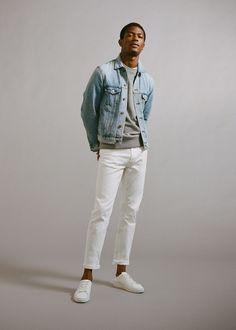 Dare to Denim: Hamid Onifade Models Mango Essentials Standing tall, Hamid Onifade wears white jeans and a denim jacket by Mango Man. White Jacket Outfit, Bomber Jacket Outfit, White Jeans Outfit Mens, Brown Denim Jacket, Jacket Jeans, Denim Look, Men's Denim, Sean O'pry, Foto Fashion