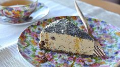un cheesecake fara branza de la Olivia Steer Raw Vegan Recipes, Healthy Desserts, Cooking Recipes, Healthy Recipes, Raw Cheesecake, Food Combining, Raisin, Food And Drink, Yummy Food