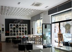 Tredici Tapas bar, open for lunch and dinner, lights meals, tapas, beer & wine | Via Mariano Stabile, 47