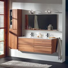 Ensemble meuble et vasque double pour votre salle de bains. Bathroom Vanity, Renovations, Lighted Bathroom Mirror, Bathroom Decor, Bathrooms Remodel, Remodel, Masculine Home Decor, Home Decor, Bathroom Design