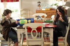 1000 images about modern family decorating on pinterest for Modern family dunphy house decor