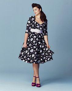1a5e4e5a0de Hell Bunny Print Sweetheart Neck Dress