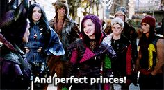 Mal Evie Jay and Carlos in the isle of the lost Disney Descendants Movie, Mal Descendants, Disney Channel Movies, Disney Movies, Sofia Carson, Disney Pop, Disney Magic, Disney And Dreamworks, Disney Pixar