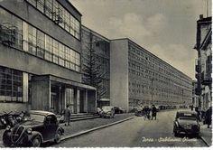 Taccuini Internazionali: Memorie di Adriano Ivrea, gli stabilimenti Olivetti in una cartolina storica, ove è rappresentata la via Jervis, con le nuove officine di Figini e Pollini del 1939-42