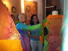 Julia Rossi: fieltro en indumentaria