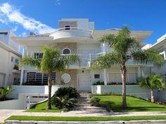 Casa grande com varanda