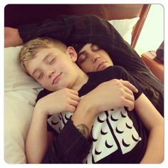 Best stepfather ever ❤️ Kellin Quinn ♥ Quotes By Famous People, People Quotes, Secondhand Serenade, Drawing Quotes, Falling In Reverse, Sleeping With Sirens, Love Dating, Of Mice And Men, Kellin Quinn