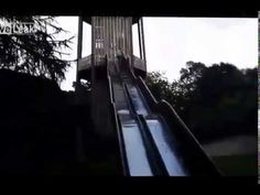 Zamknięta ślizgawka http://www.smiesznefilmy.net/prawie-jak-adam-malysz Cóż, prawie jak Adam Małysz #zabawa #głupota #funmovie