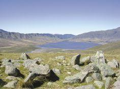 Ojos y pulmones agradecidos.  Un trekking por el Cerro Muñoz, cerca de Tafí del Valle te transporta a lugares y momentos inolvidables. Lo que ves en la foto, más lo que no se ve, más la brisa, más el sol, más vos ahí disfrutándolo. Pensalo.