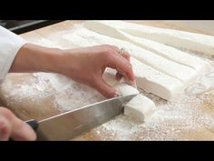 How to Make Your Own Dreamy, Fluffy Marshmallows| TipHero