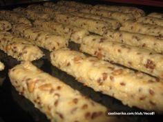 Slani štapići s pivom — Coolinarika Pogaca Recipe, Kiflice Recipe, Kitchen Recipes, Baking Recipes, Kolaci I Torte, Serbian Recipes, Food Humor, Creative Food, Food Dishes