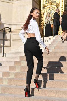 Latest photos for Zendaya - 2019 Paris Fashion Week - Giorgio Armani Prive Haute Couture Fall-Winter Mode Zendaya, Zendaya Outfits, Zendaya Style, Mode Outfits, Fashion Outfits, Zendaya Fashion, Fashion Week, Look Fashion, Paris Fashion
