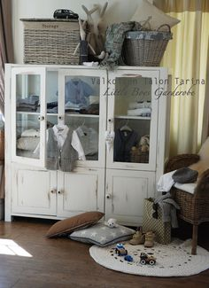 Little boys wardrobe Painting Old Furniture, Diy Painting, Wardrobe Furniture, China Cabinet, Little Boys, Kids Room, Diy Projects, Rooms, Storage