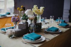 Great colors and table setting. Photography By / http://andamarie.com,Floral Design By / http://milaegers.com