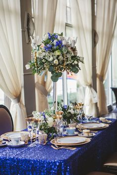 Royal Blue and Gold Wedding (stunning picture gallery)