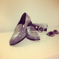 Vintage Womans 80's Silver Loafer size 9 by Typolove on Etsy, €39.00