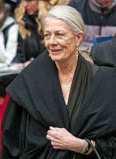 Vanessa Redgrave 1937 - I love it - out in public with very little makeup...you're probably not in LA.  I say UK or France.
