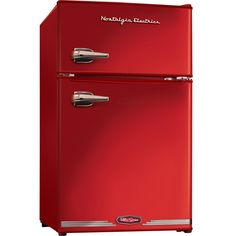 dorm-size retro fridge. CUTE!!!
