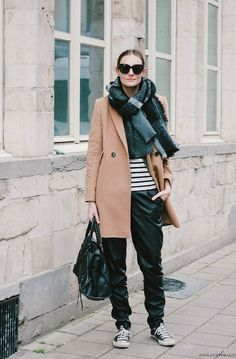 Polienne   a personal style diary: THOSE PLEATHER PANTS