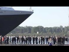 www.cruisejournal.de  #cruise Ankunft der #QUEEN ELIZABETH in #Travemünde - #Deutschlandpremiere am 4.6.11